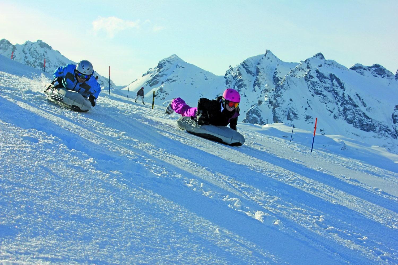 La pratique du airboarding, un sport d'hiver atypique